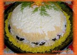 Салат Черная жемчужина с черносливом
