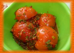 Помидоры по-корейски— отличная закуска к праздничному столу