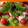 Греческий салат— отличное дополнение к шашлыку