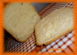 Белый пшеничный хлеб на курином бульоне с чесноком в хлебопечке