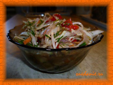 Салат из капусты и болгарского перца в маринаде