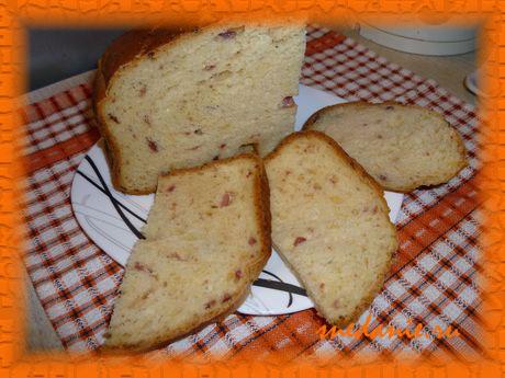 Пшеничный хлеб на молоке с ветчиной и сыром в хлебопечке - рецепт с фото
